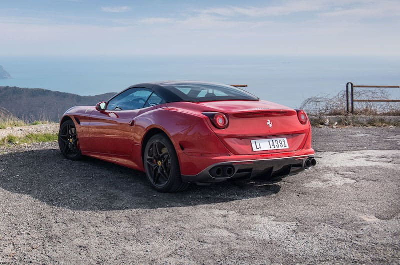 2017 Ferrari California T  | Photo Source: Yallacompare