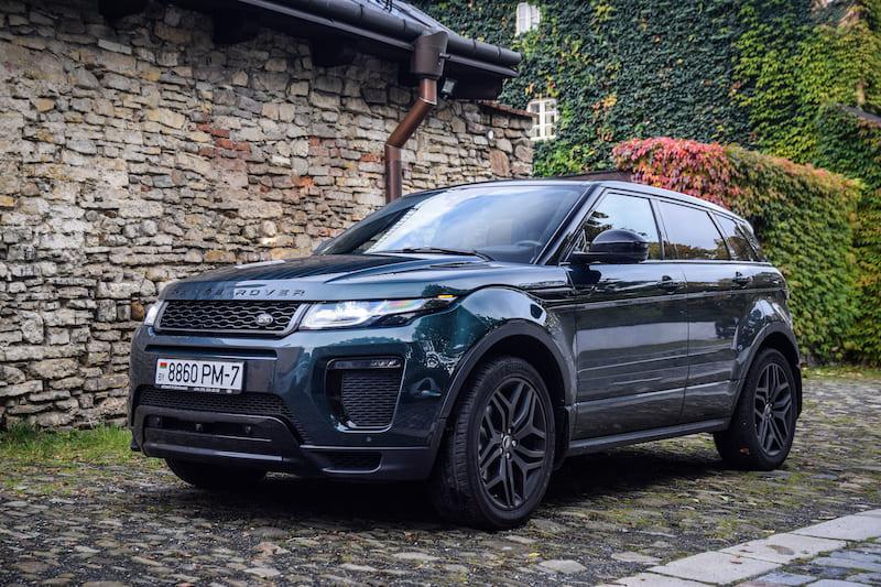Range Rover Sport |  Editorial credit: Yauhen_D / Shutterstock.com