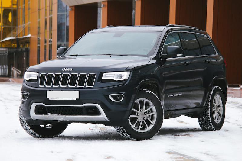Jeep Grand Cherokee luxury SUV | Editorial credit: Volha-Hanna Kanashyts / Shutterstock.com